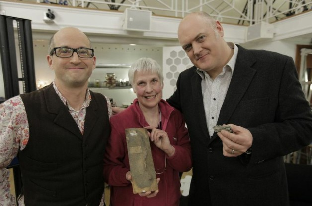 Science Club presenters Mark Miodownik, left, and Dara Ó Briain, right, talk fulgurites with Monica Price, assistant curator of Mineralogy Collections  at the Museum