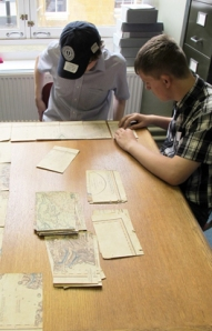 Matthew and Alex were quick to catch on to the best technique for sorting a map- do the outside pieces first, just like a puzzle!